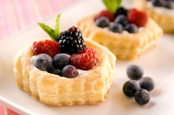 custard-tart-fruit